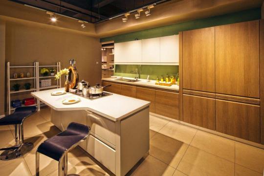 厨房装修要安装集成灶,橱柜应该怎么做?
