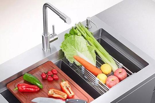厨房装集成水槽好不好?集成水槽的优缺点分析